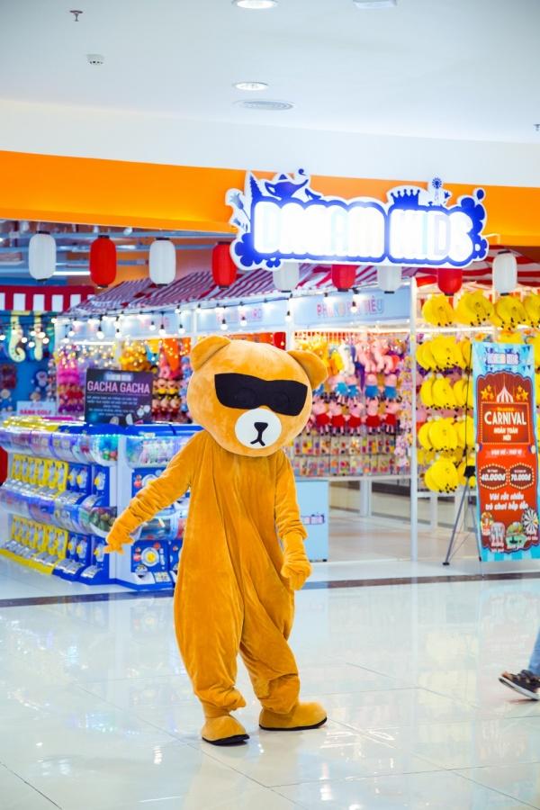 Nhảy múa chọc ghẹo fan ở trung tâm thương mại, Sam nhận cái kết phũ phàng 0