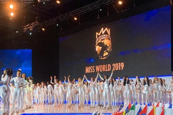 Chung kết Miss World 2019: Sở hữu loạt nhan sắc 'xịn mịn' nhưng BTC lại cho thí sinh mặc gì thế này? 1