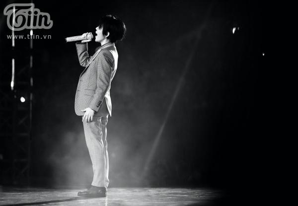 Khả năng hát live của Vũ Cát Tường khiến khán giả như 'nín thở' khi dõi theo.