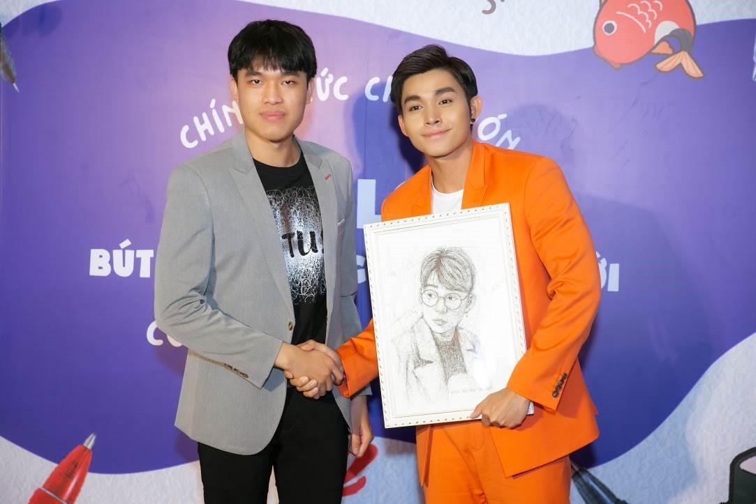 Jun Phạm được Sơn Tùng 'siêu trí tuệ' dành tặng bức chân dung vẽ bằng bút Pilot