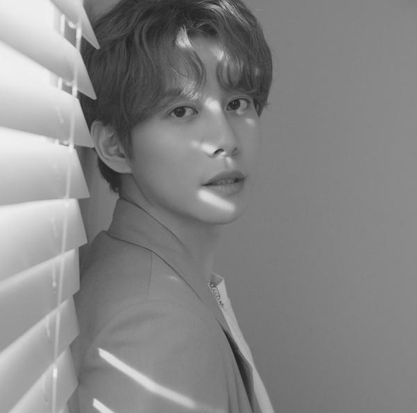 Trên trang cá nhân của mình, anh viết: 'Tôi cũng muốn thao túng BXH như Vibe, Song Haye, Lim Jaehyun, Jeon Sangkeun, Jang Deokcheol và Hwang Inwook'.