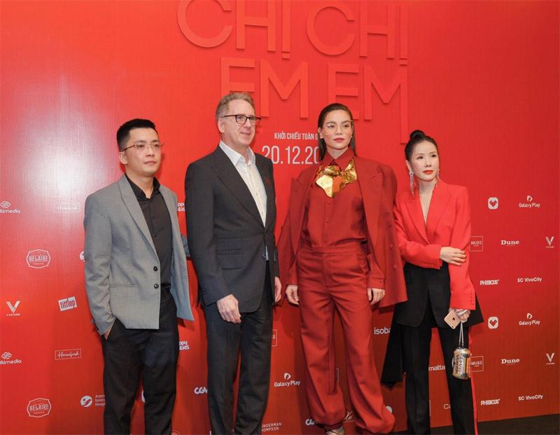 Nữ ca sĩ Hồ Ngọc Hà cũng góp mặt trong buổi công chiếu phim