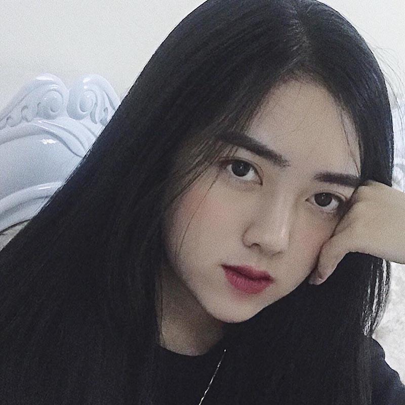 Cận cảnh nhan sắc ngọt ngào của Hà Trang