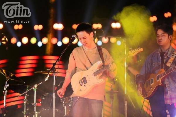 'Vũ khúc ánh sáng - Countdown 2020': Thiều Bảo Trang, Lưu Hương Giang, Đinh Mạnh Ninh 'quẩy tung' đêm nhạc kết năm 3