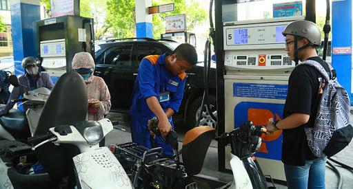 Đề xuất thời gian giữa hai lần điều chỉnh giá xăng dầu là 10 ngày 0