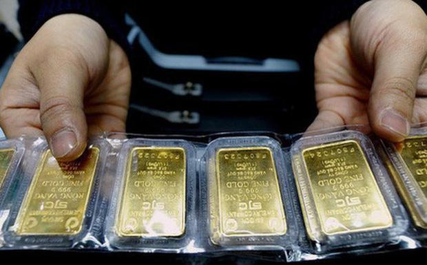Giá vàng chính thức phá mốc 62 triệu đồng/lượng 0