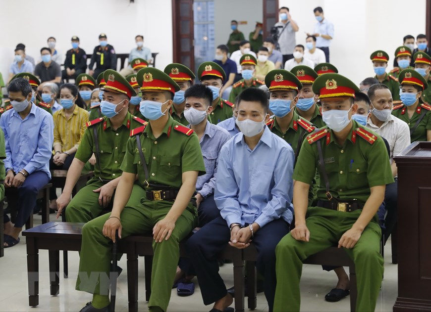 Các bị cáo tại phiên tòa. (Ảnh: Doãn Tấn/TTXVN)