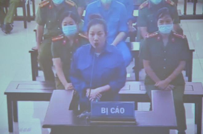Bị cáo Nguyễn Thị Dương (vợ Đường Nhuệ)