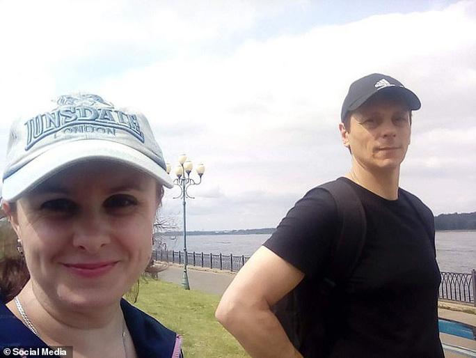 Kẻ sát nhân Vitaly Molchanov và bà Valentina Saprunova. Ảnh: Daily Mail