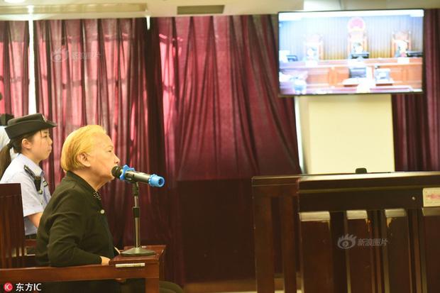 Bà Hoàng tại tòa án ngày 26/10/2017.