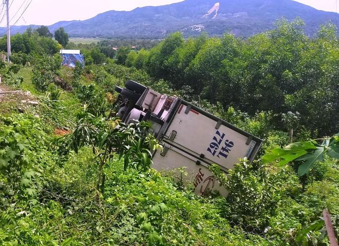 Hiện trường vụ tai nạn khiến tài xế tử vong tại chỗ.