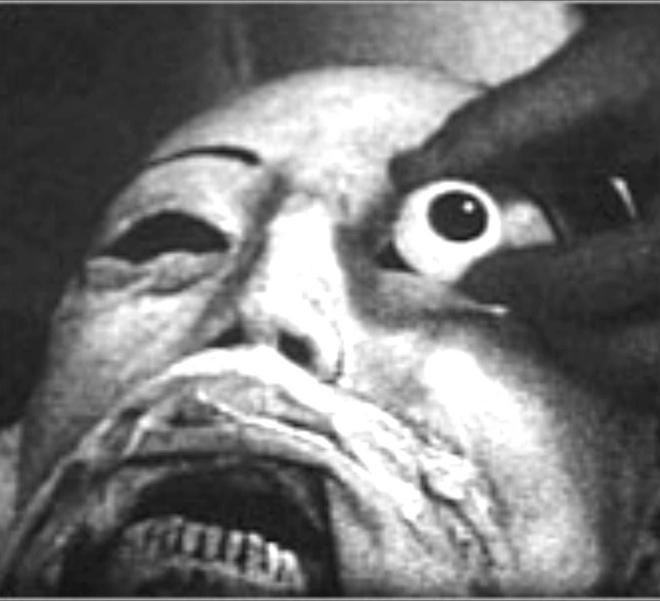 Vị bác sĩ bất chấp đi ăn trộm xác chết về để... yêu: Chuyện tình kinh dị có thật của thế kỷ 20 7