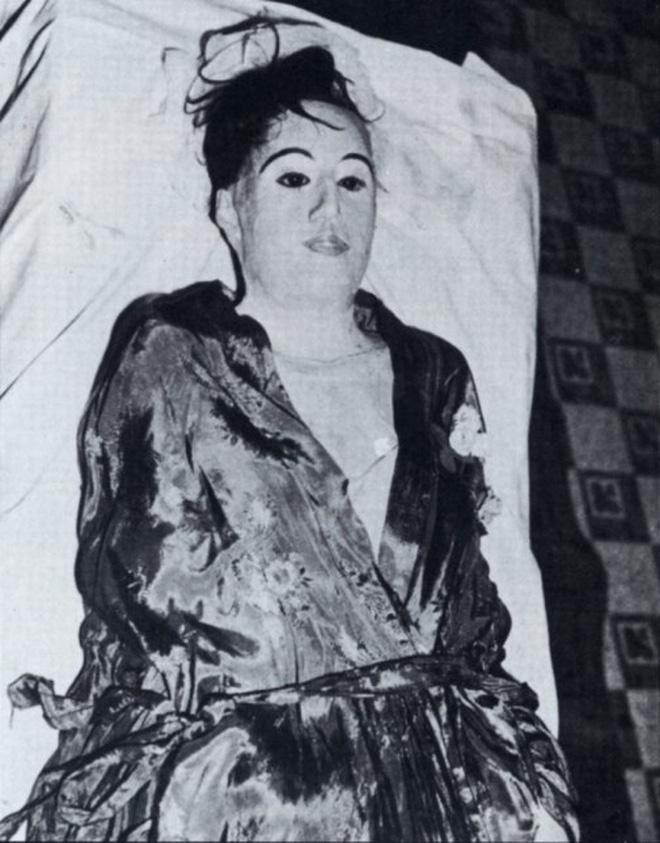 Vị bác sĩ bất chấp đi ăn trộm xác chết về để... yêu: Chuyện tình kinh dị có thật của thế kỷ 20 8