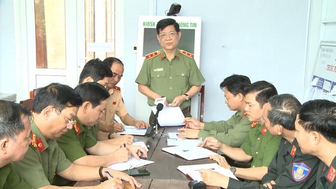 Trung tướng Nguyễn Văn Sơn giao nhiệm vụ cho Công an tỉnh Thừa Thiên - Huế tìm kiếm 16 công nhân còn mất tích dưới lòng hồ thủy điện