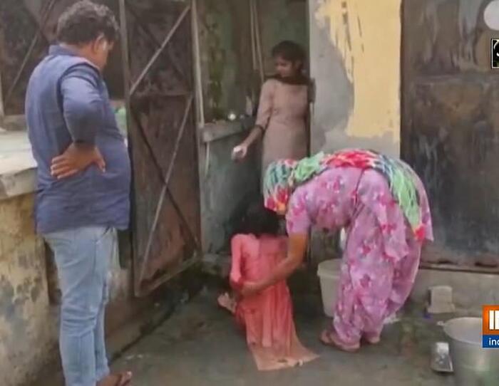 Giải cứu người phụ nữ bị chồng nhốt trong toilet suốt một năm rưỡi 1