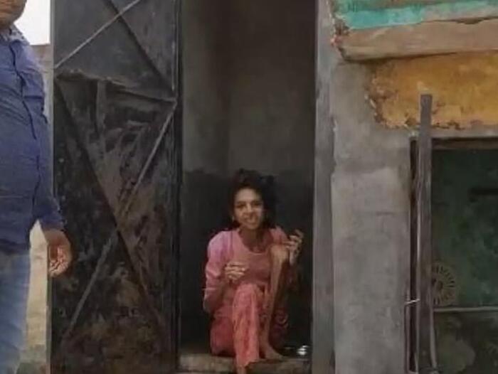 Giải cứu người phụ nữ bị chồng nhốt trong toilet suốt một năm rưỡi 0