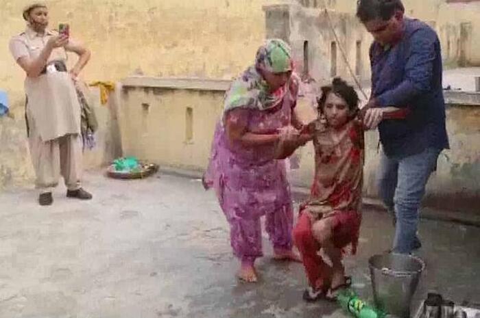 Giải cứu người phụ nữ bị chồng nhốt trong toilet suốt một năm rưỡi 2