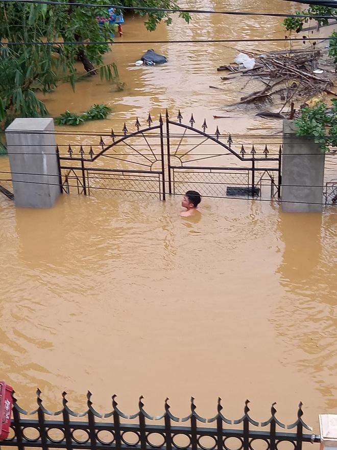 Tình hình ngập lụt nghiêm trọng ở Quảng Bình
