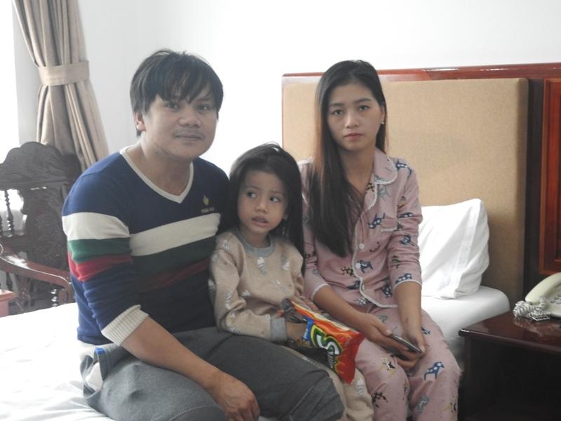 Gia đình anh La Trọng Hải, được bố trí 1 phòngvới đầy đủ tiện nghi ở khách sạn tránh lũ