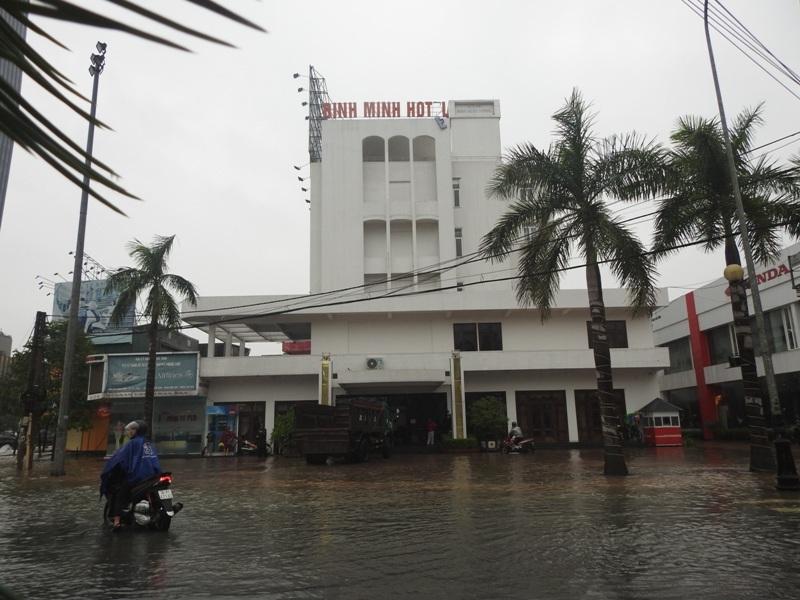 Khách sạn Bình Minh, Hà Tĩnh là nơi tiếp nhận người dân vùng lũ lưu trú miễn phí