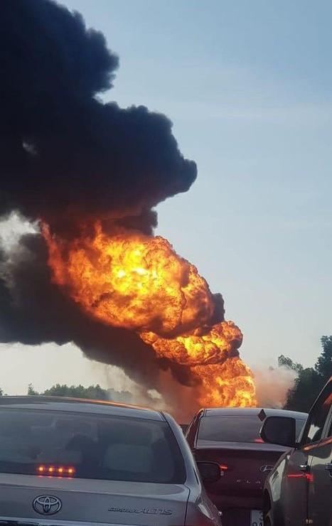 Cận cảnh hiện trường vụ cháy. Ảnh: CTV