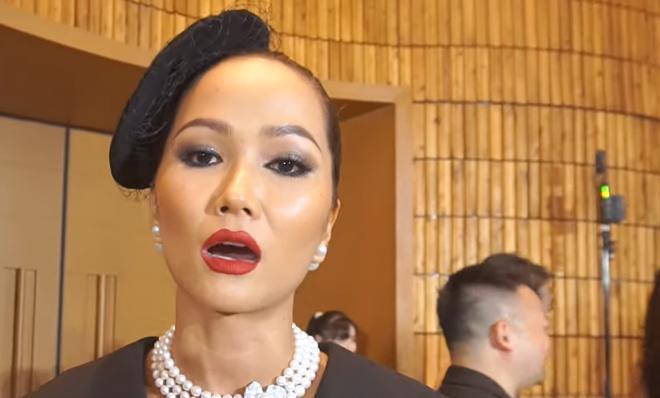 H'Hen Niê: Tôi rất đau khi bị nói keo kiệt, ủng hộ 50 triệu khi tài khoản chỉ có 85 triệu 1