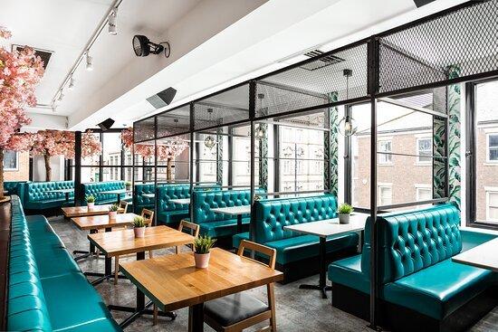 Bên trong nhà hàng '808 Bar & Kitchen' xảy ra vụ trộm hi hữu, kẻ trộm ngủ quên luôn tại hiện trường