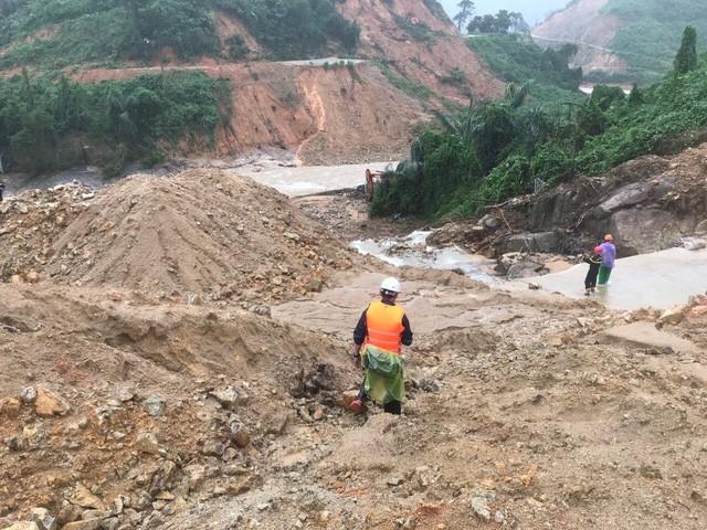Thừa Thiên - Huế yêu cầu việc sơ tán dân vùng có nguy cơ lũ quét, sạt lở hoàn thành trước 15h ngày 27/10.
