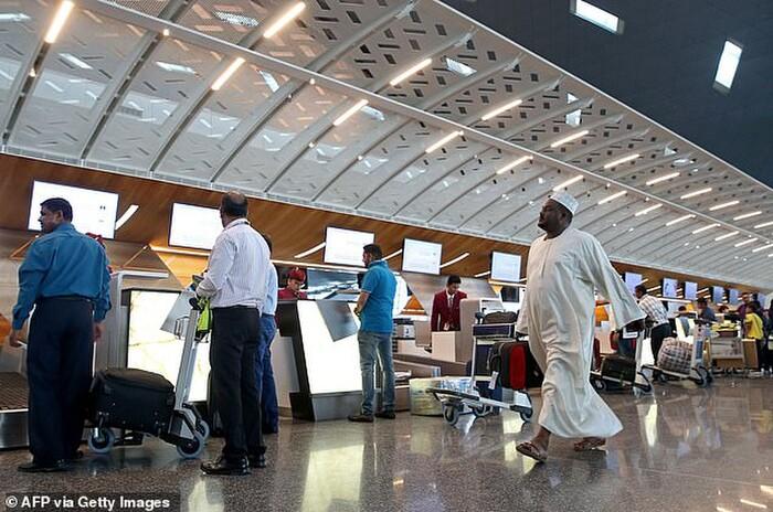 13 phụ nữ bị yêu cầu khám 'phần dưới' ngay tại sân bay, nguyên nhân phía sau khiến nhiều người bất ngờ 1