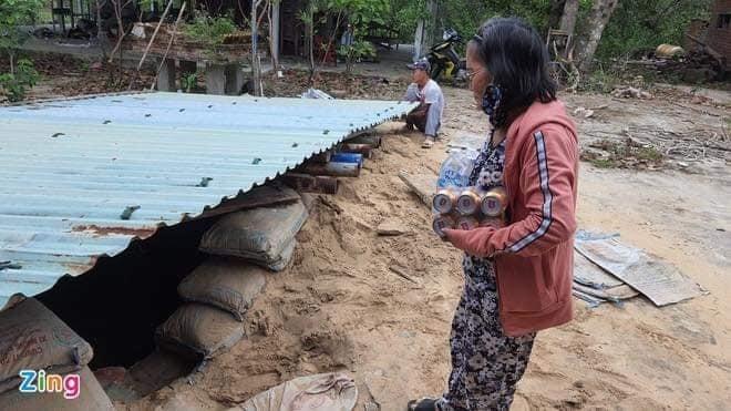 Còn đây là một số hình ảnh được đăng tải trên báo chí, người dân ven biển Quảng Nam đã tự trang bị cho mình 'hầm tránh bão'.
