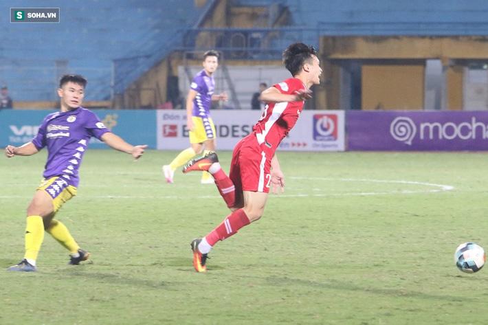 Quế Ngọc Hải mắng xối xả tiền đạo Hà Nội FC, đòi trọng tài rút thẻ đuổi đối thủ khỏi sân 10