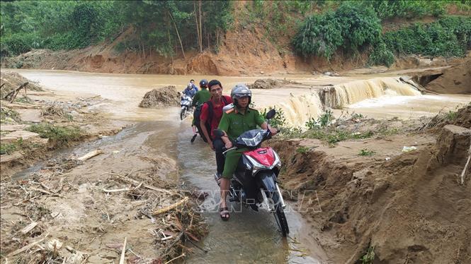 Tìm được 5 thi thể bị vùi lấp do sạt lở đất tại huyện Phước Sơn, Quảng Nam 4