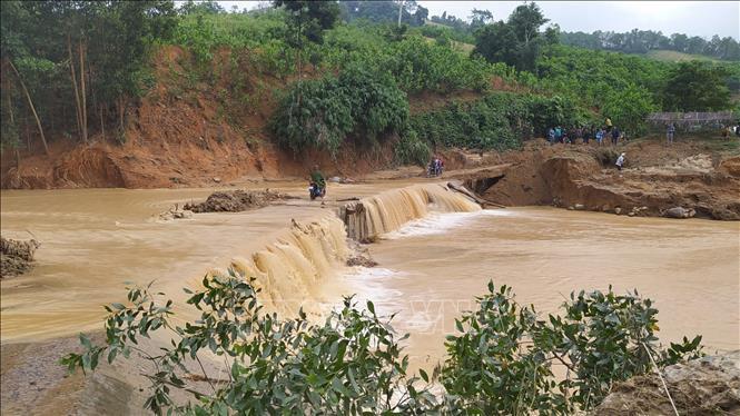 Tìm được 5 thi thể bị vùi lấp do sạt lở đất tại huyện Phước Sơn, Quảng Nam 2