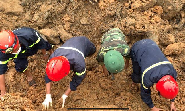 Gần 20 ngày nỗ lực tìm kiếm, lực lượng CNCH đã tìm thấy 5 thi thể nạn nhân dưới đống đất đá sạt lở.