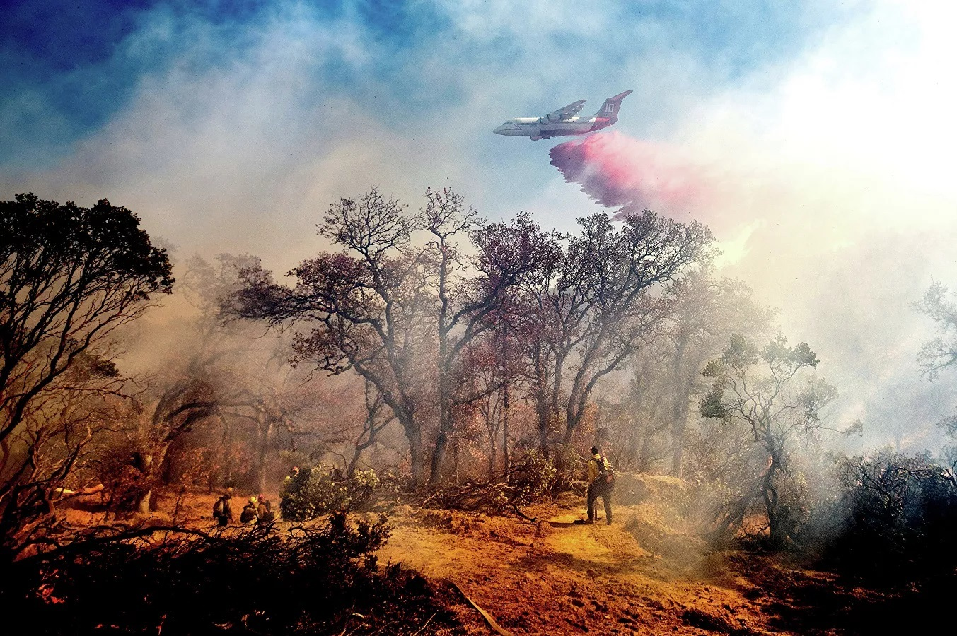 Chữa cháy rừng ở California.