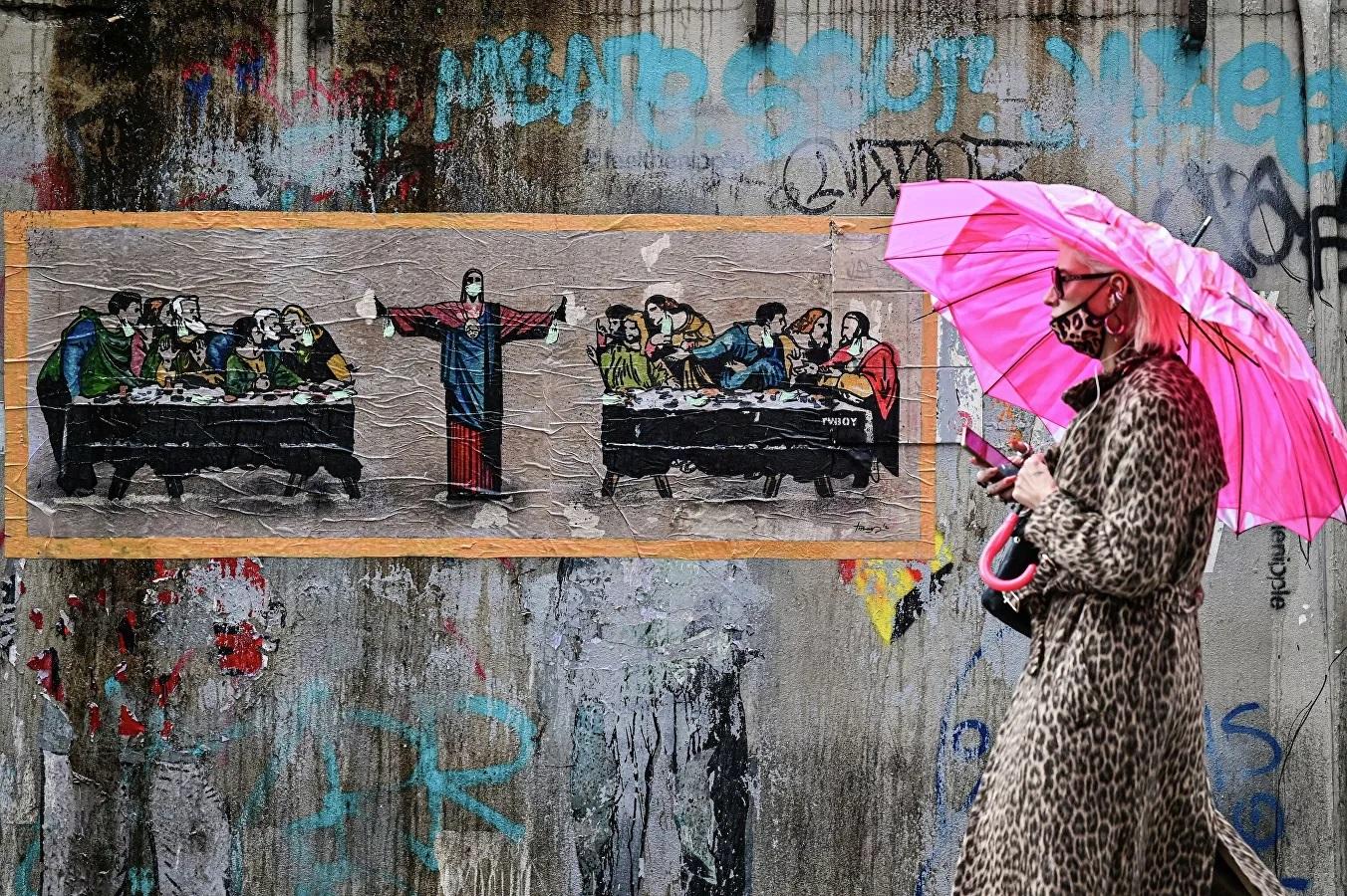 Tác phẩm của nghệ sĩ đường phố người Ý TvBoy ở Milan.