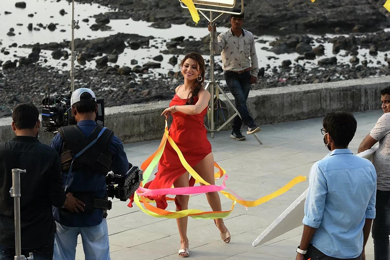 Nữ diễn viên Ấn Độ Urvashi Rautela trong một buổi chụp hình ở Mumbai.