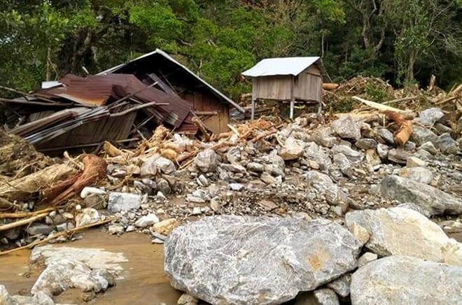 Hiện trường xảy ra trận lũ quét khiến 11 người mất tích tại thôn 3, xã Phước Lộc.
