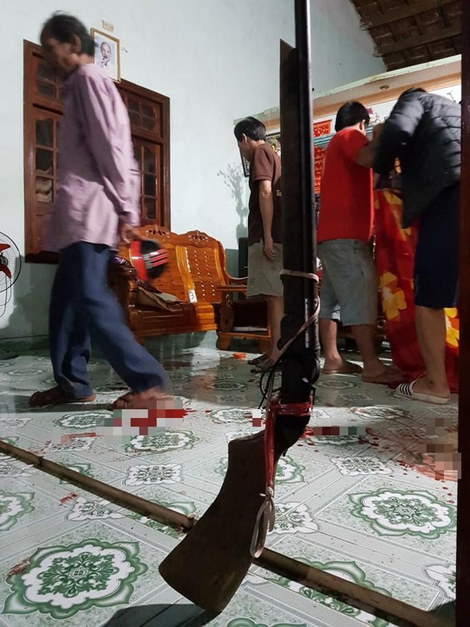 Công an thu giữ 2 khẩu súng săn tại nhà các nạn nhân