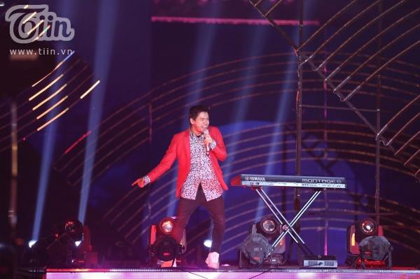 'Vũ khúc ánh sáng - Countdown 2020': Thiều Bảo Trang, Lưu Hương Giang, Đinh Mạnh Ninh 'quẩy tung' đêm nhạc kết năm 7