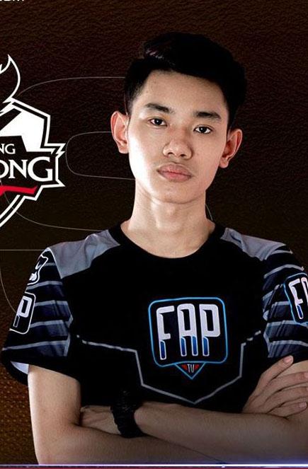 BUG - Nguyễn Trí Hùng, Top 2 rank thách đấu máy chủ Việt Nam. Tuy đã thi đấu tại FAPTV nhưng BUG cần phải thể hiện hết sức sức mạnhcủa mình ở đường giữa trong mùa giải sắp tới.