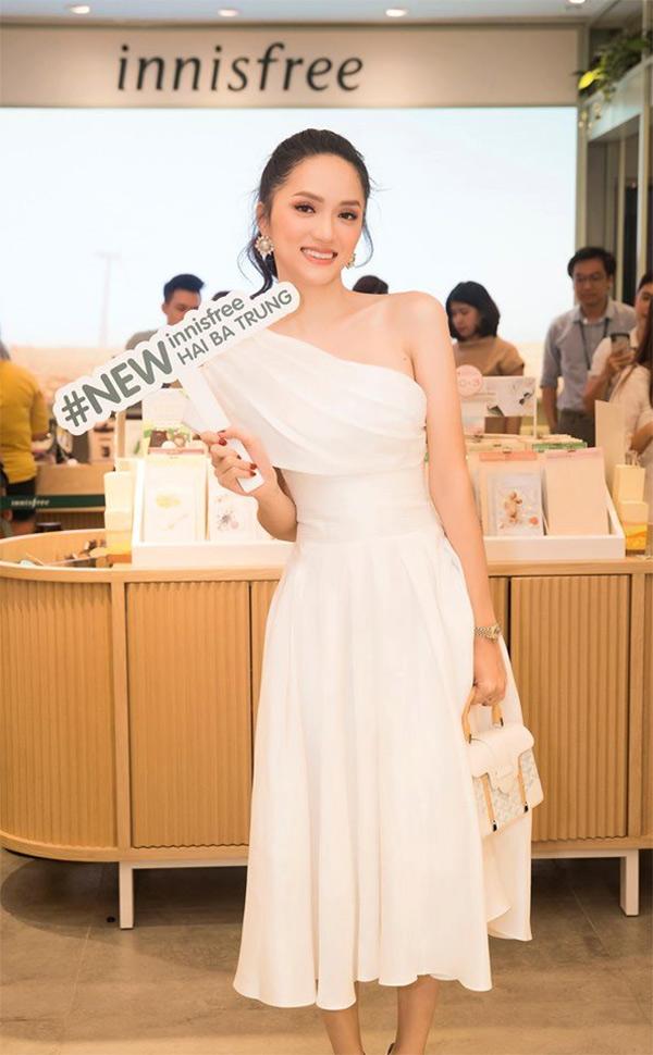 Hương Giang đọ sắc cùng 3 mỹ nhân 'Mắt Biếc' tại sự kiện khai trương innisfree Hai Bà Trưng 1