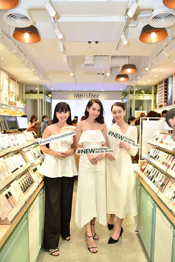 Hương Giang đọ sắc cùng 3 mỹ nhân 'Mắt Biếc' tại sự kiện khai trương innisfree Hai Bà Trưng 3