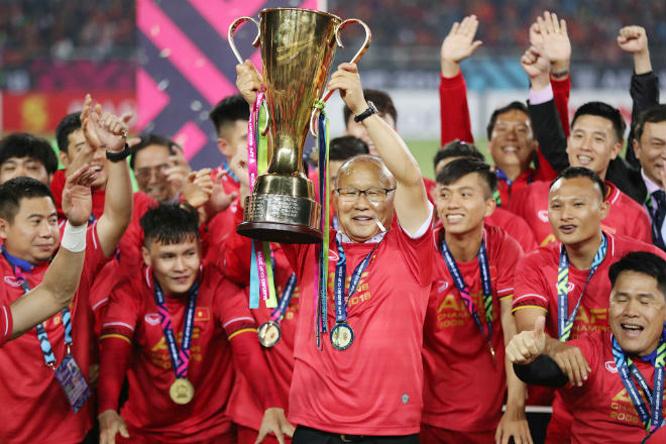 Bóng đá Việt Nam dưới sự dẫn dắt của HLV Park Hang-seo đang băng băng trên những hành trình chinh phục thành tích.