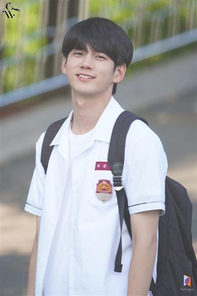 3 nam thần Wanna One gồm Ong Seong Woo, Park Ji Hoon và Lai Kuan Lin ra mắt màn ảnh nhỏ năm 2019, ai thành công nhất? 8