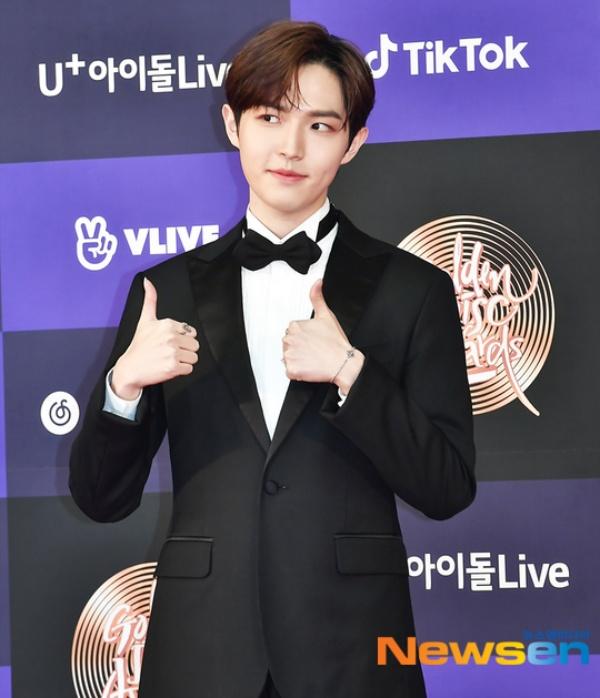 Kim Jae Hwan là thành viên solo hiếm hoi của Wanna One có cơ hội sải bước trên thảm đỏGDAs 2020lần nữa kể từ khi nhóm tan rã.