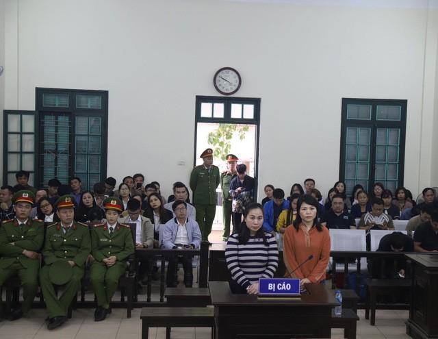 Cựu thượng úy công an Nguyễn Thị Vững bất ngờ kêu oan tại tòa. Ảnh: DT