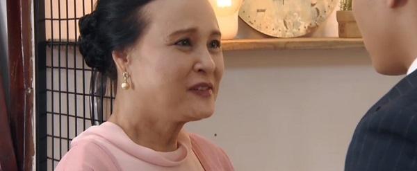 'Hoa hồng trên ngực trái': Cảm động khi bà Hồng nhận Khuê làm con gái và trao cô lại cho Bảo 2
