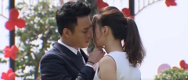 Suốt 10 năm đóng phim với nhau, Hồng Đăng và Hồng Diễm chưa từng trao nhau một nụ hôn đúng nghĩa.