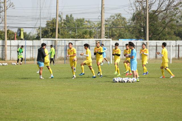Vẫn như thông lệ cũ, ở buổi tập luyện này, số cầu thủ đã thi đấu trong trận đầu với U23 UAE được nghỉ ngơi. Số cầu thủ thi đấu ít hoặc ngồi dự bị tiếp tục tập luyện.